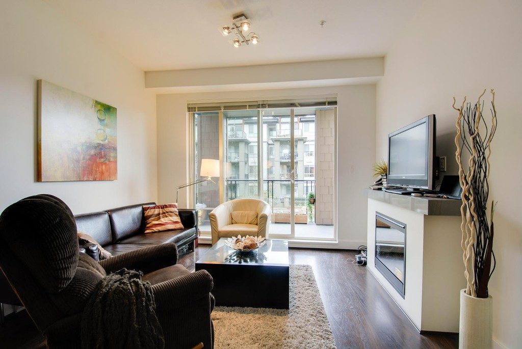 Photo 7: # 213 7428 BYRNEPARK WK in Burnaby: South Slope Condo for sale (Burnaby South)  : MLS(r) # V1050179