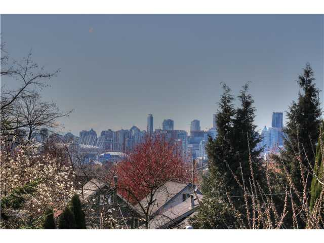 Photo 16: 1147 SEMLIN DR in Vancouver: Grandview VE House for sale (Vancouver East)  : MLS® # V1056763