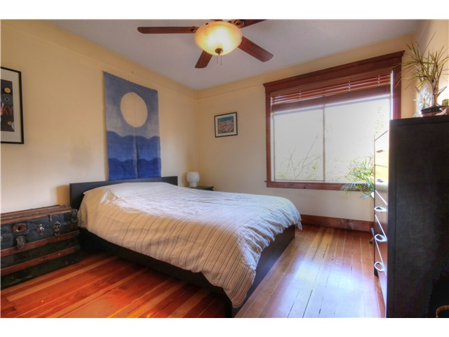 Photo 10: 1147 SEMLIN DR in Vancouver: Grandview VE House for sale (Vancouver East)  : MLS® # V1056763