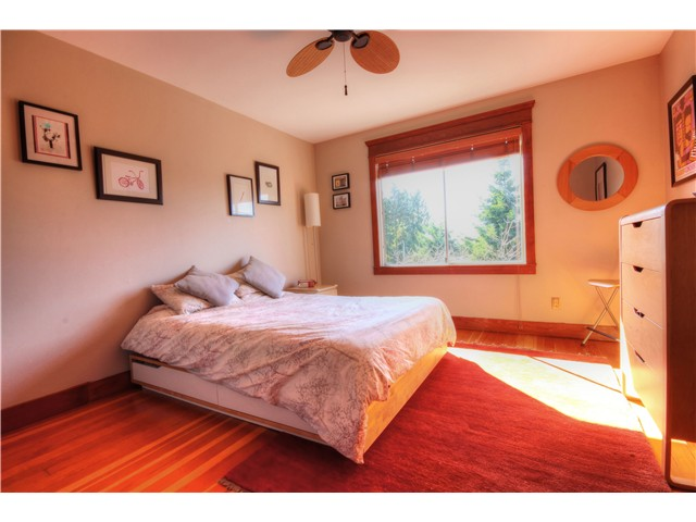Photo 11: 1147 SEMLIN DR in Vancouver: Grandview VE House for sale (Vancouver East)  : MLS® # V1056763