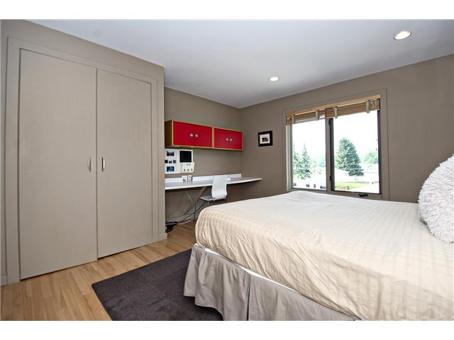 Photo 16: 26 LISSINGTON Drive SW in CALGARY: North Glenmore Residential Detached Single Family for sale (Calgary)  : MLS® # C3626856