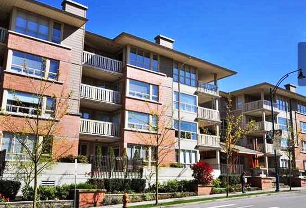 Main Photo: 303 801 Klahanie Drive in Port Moody: Condo for sale