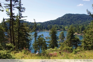 Main Photo: 366 David Road in Bowen Island: Millers Landing Home for sale : MLS®# R2074794
