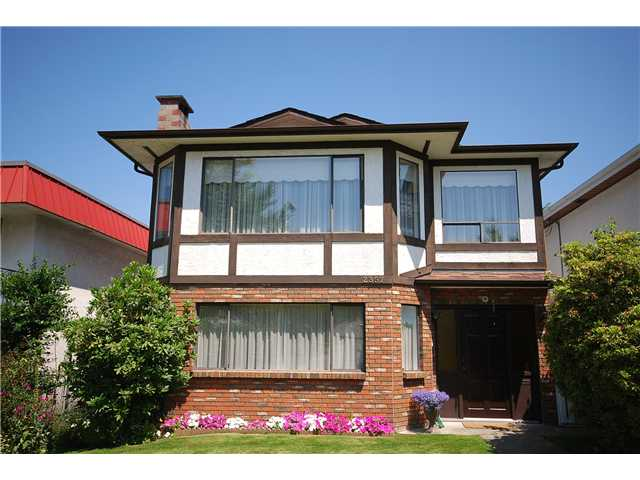 Main Photo: 2357 E 19TH Avenue in Vancouver: Grandview VE House for sale (Vancouver East)  : MLS® # V962626