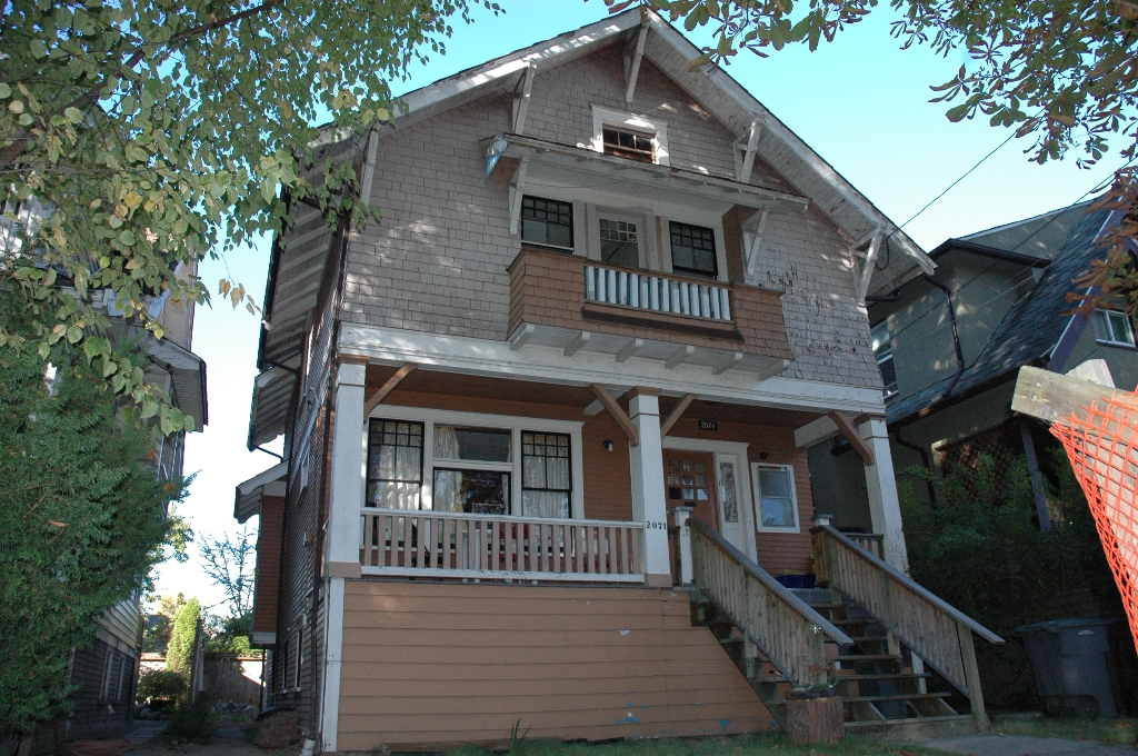 Photo 1: 2071 Kitchener Street Vancouver V5L 2W6 - Hammer/Watkinson