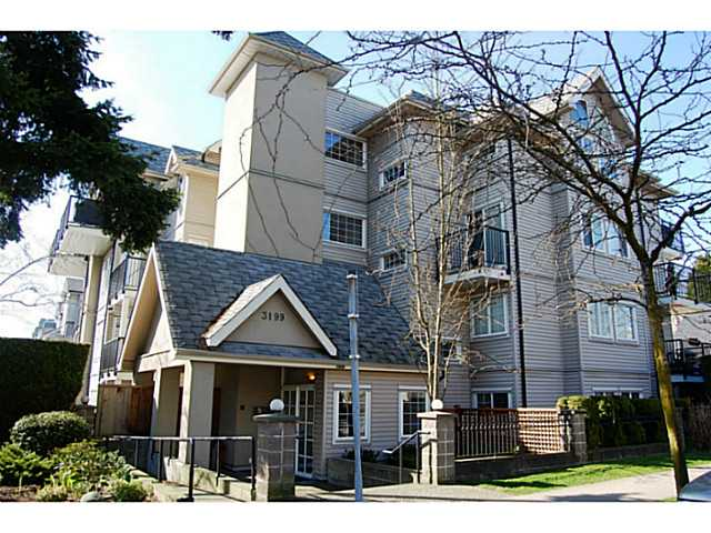 "Main Photo: 104 3199 WILLOW Street in Vancouver: Fairview VW Condo for sale in ""VGH"" (Vancouver West)  : MLS(r) # V997862"