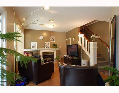 Main Photo: 32 12099 237TH Street in Maple Ridge: East Central Home for sale ()  : MLS(r) # V789289