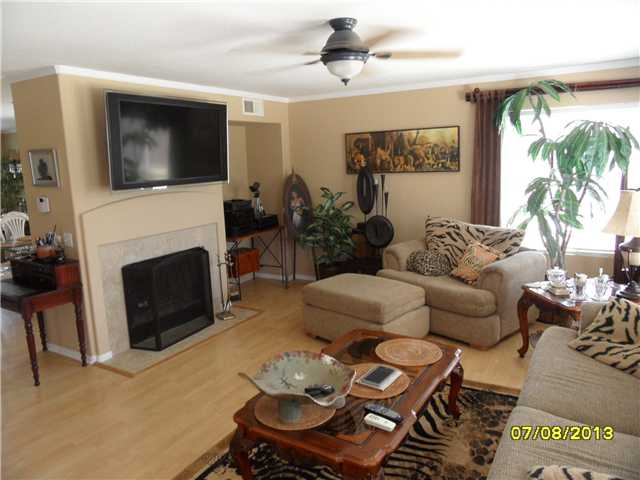 Photo 14: OCEANSIDE House for sale : 4 bedrooms : 426 Shadow Tree Drive