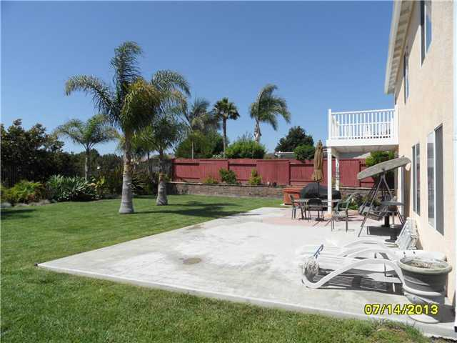 Photo 6: OCEANSIDE House for sale : 4 bedrooms : 426 Shadow Tree Drive