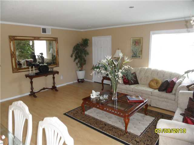 Photo 16: OCEANSIDE House for sale : 4 bedrooms : 426 Shadow Tree Drive