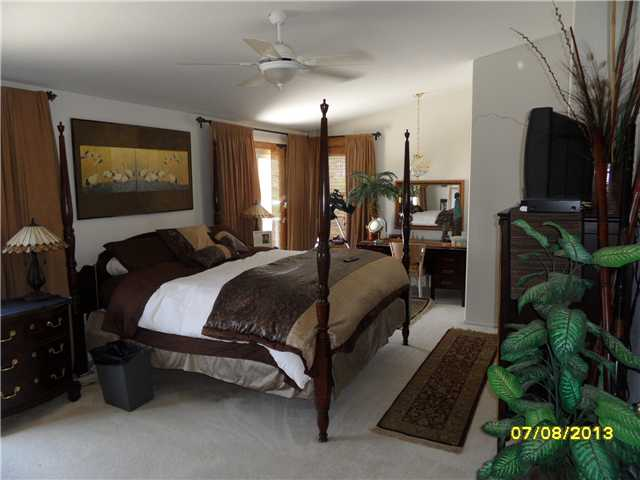 Photo 19: OCEANSIDE House for sale : 4 bedrooms : 426 Shadow Tree Drive