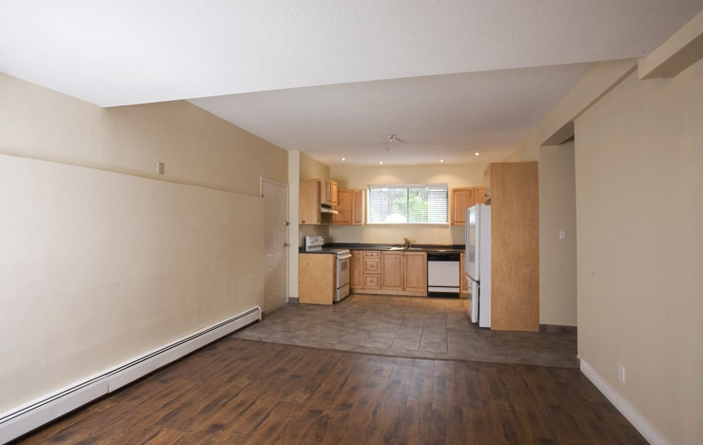 Photo 15: 429 Lakeview Street in Coquitlam: Central Coquitlam House for sale : MLS® # R2037527