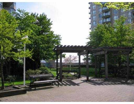 "Photo 8: 607 838 AGNES ST in New Westminster: Downtown NW Condo for sale in ""WESTMINSTER TOWER"" : MLS(r) # V543142"