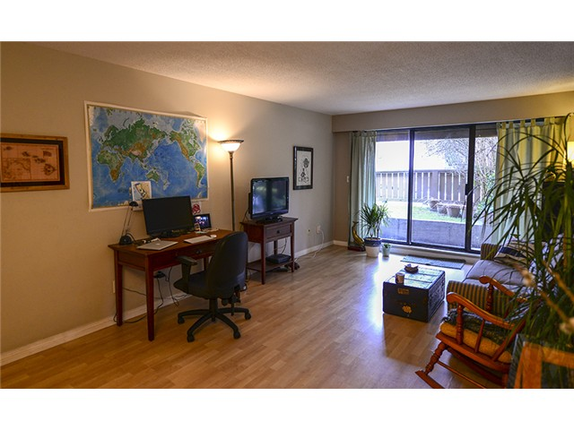 Main Photo: # 102 2424 CYPRESS ST in Vancouver: Kitsilano Condo for sale (Vancouver West)  : MLS® # V1064786