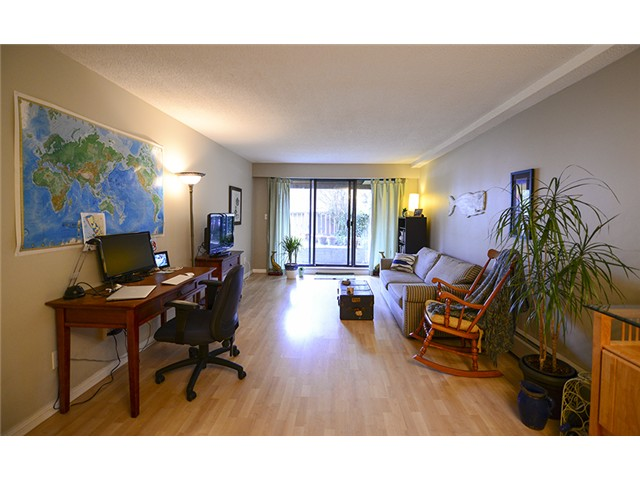 Photo 3: # 102 2424 CYPRESS ST in Vancouver: Kitsilano Condo for sale (Vancouver West)  : MLS(r) # V1064786