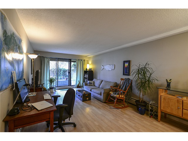 Photo 2: # 102 2424 CYPRESS ST in Vancouver: Kitsilano Condo for sale (Vancouver West)  : MLS(r) # V1064786
