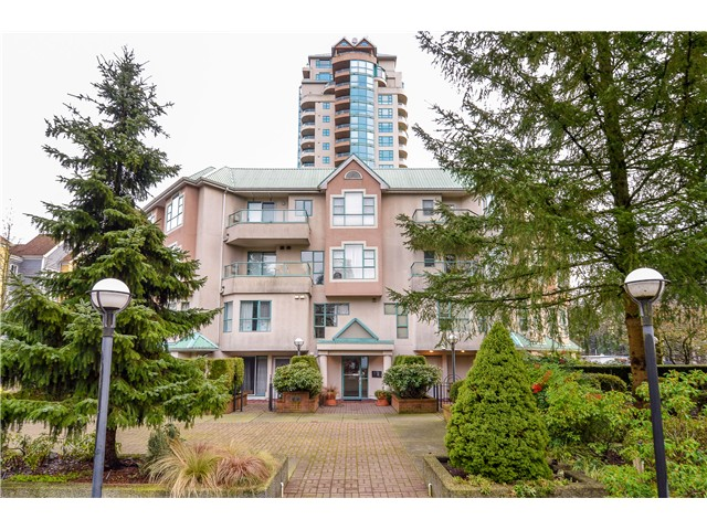 Main Photo: 404W 3061 Glen Avenue in Coquitlam: Condo for sale