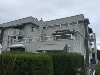 Photo 1: 204 4738 53 STREET in Delta: Delta Manor Condo for sale (Ladner)  : MLS(r) # R2083795