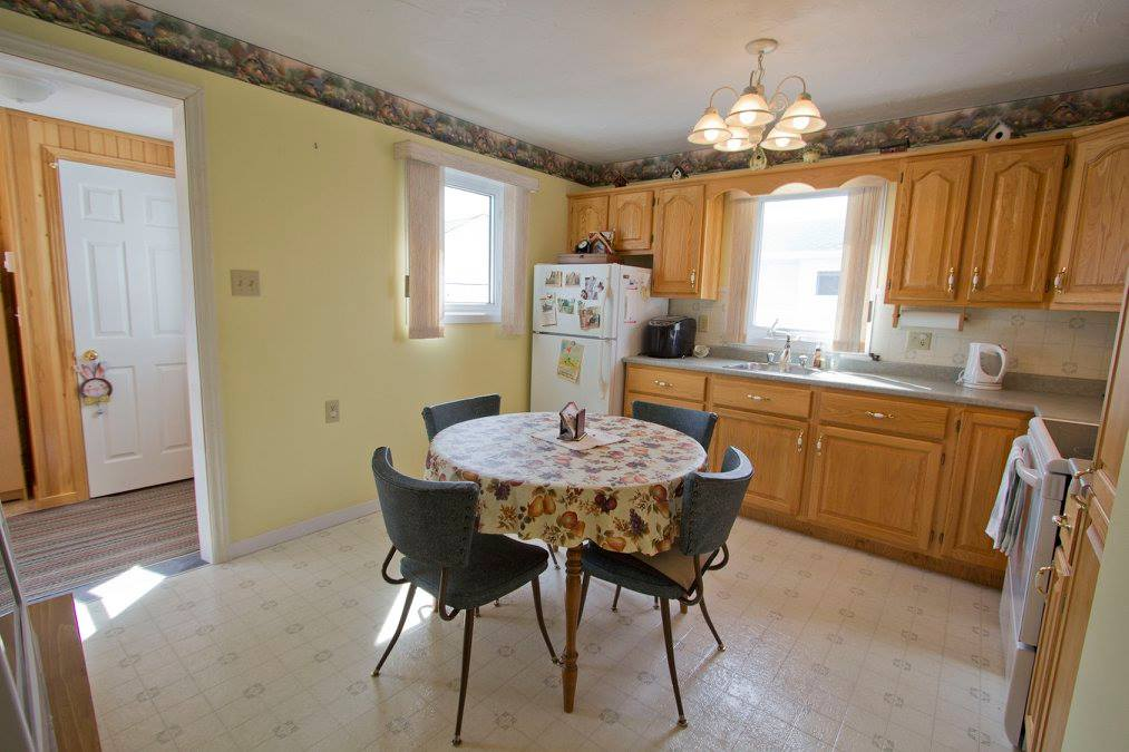 Photo 10: 16 Copp Avenue: Sackville House for sale : MLS® # M104111