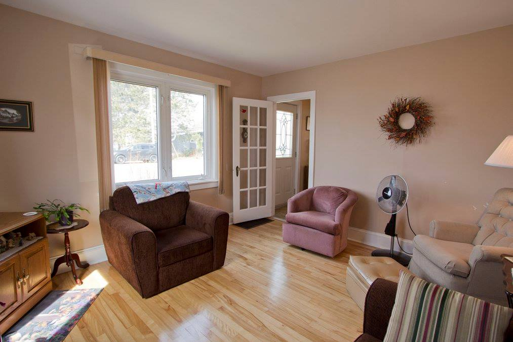Photo 9: 16 Copp Avenue: Sackville House for sale : MLS® # M104111