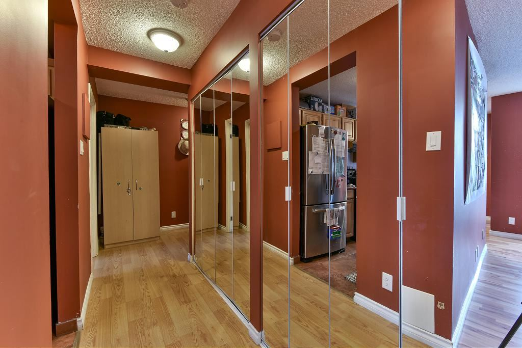 Photo 6: 101 5652 Patterson Avenue in Burnaby: Condo for sale : MLS(r) # R2138305