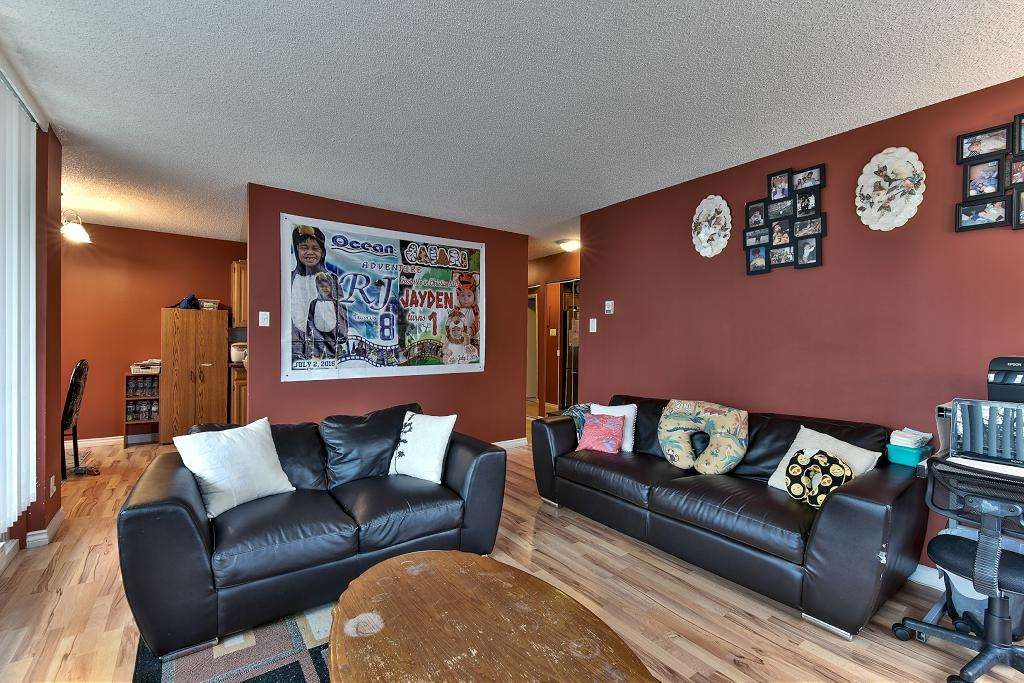 Photo 4: 101 5652 Patterson Avenue in Burnaby: Condo for sale : MLS(r) # R2138305