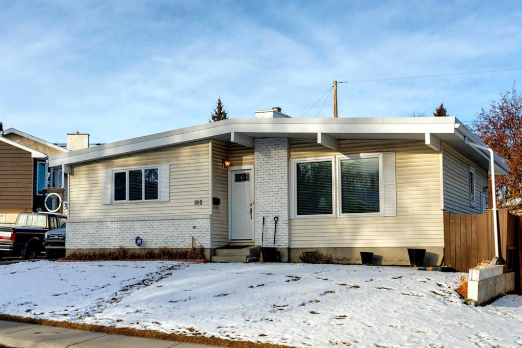 FEATURED LISTING: 808 Hunterhaven Road Northwest Calgary