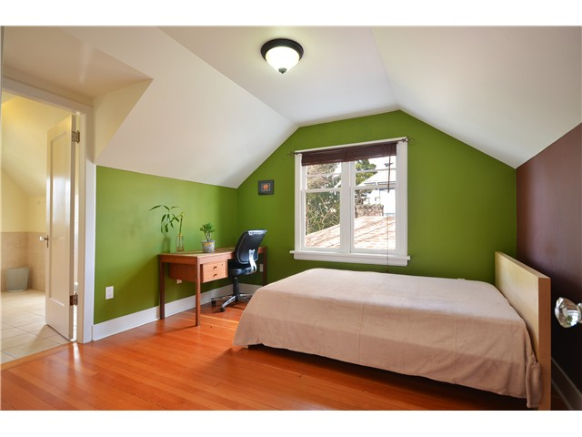 "Photo 6: 319 8 Street in New Westminster: Uptown NW House for sale in ""NE"" : MLS® # V929585"