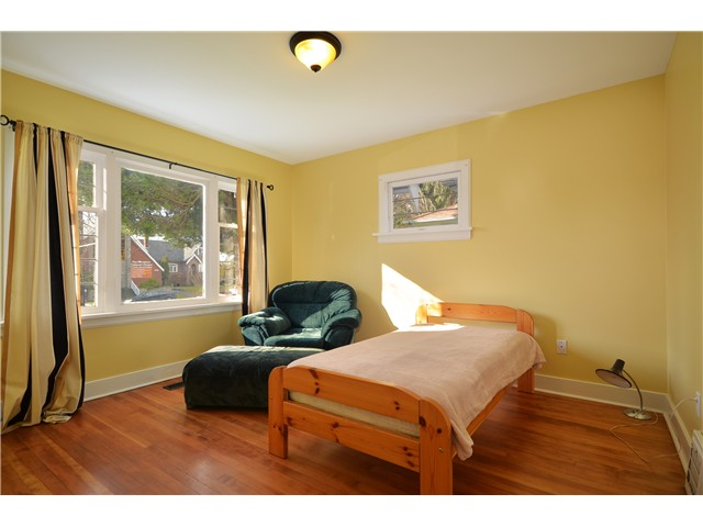 "Photo 9: 319 8 Street in New Westminster: Uptown NW House for sale in ""NE"" : MLS® # V929585"