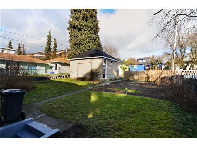 "Photo 10: 319 8 Street in New Westminster: Uptown NW House for sale in ""NE"" : MLS® # V929585"