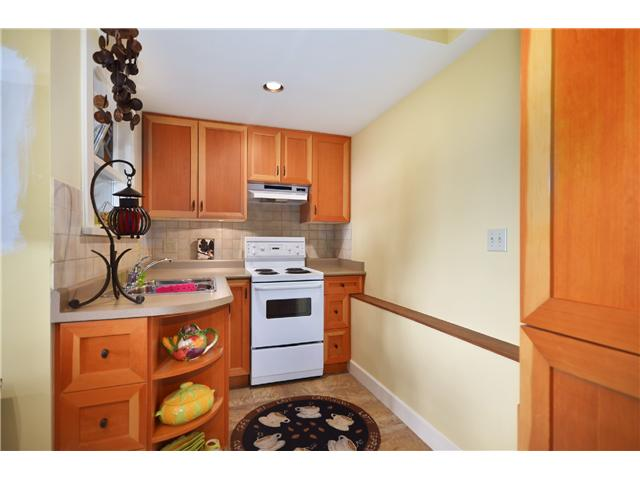 Photo 9: 3801 BAYRIDGE AV in West Vancouver: Bayridge House for sale : MLS® # V1023302