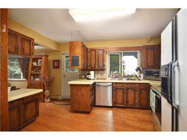 Photo 5: 3801 BAYRIDGE AV in West Vancouver: Bayridge House for sale : MLS® # V1023302
