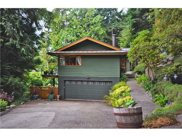Photo 2: 3801 BAYRIDGE AV in West Vancouver: Bayridge House for sale : MLS® # V1023302