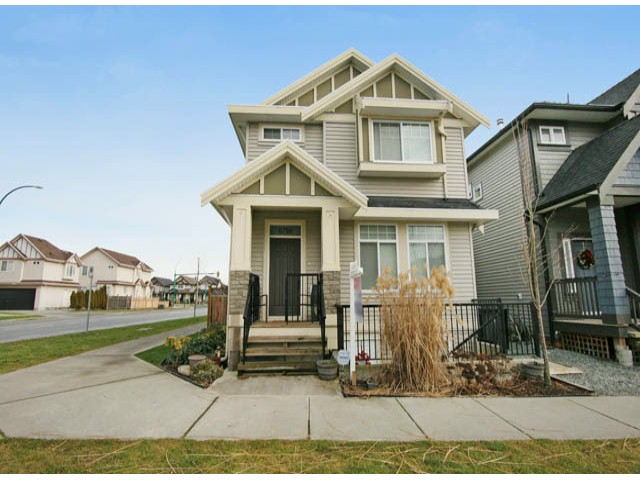 Main Photo: 6798 191A Street in Cloverdale: Clayton House for sale : MLS® # F1400185