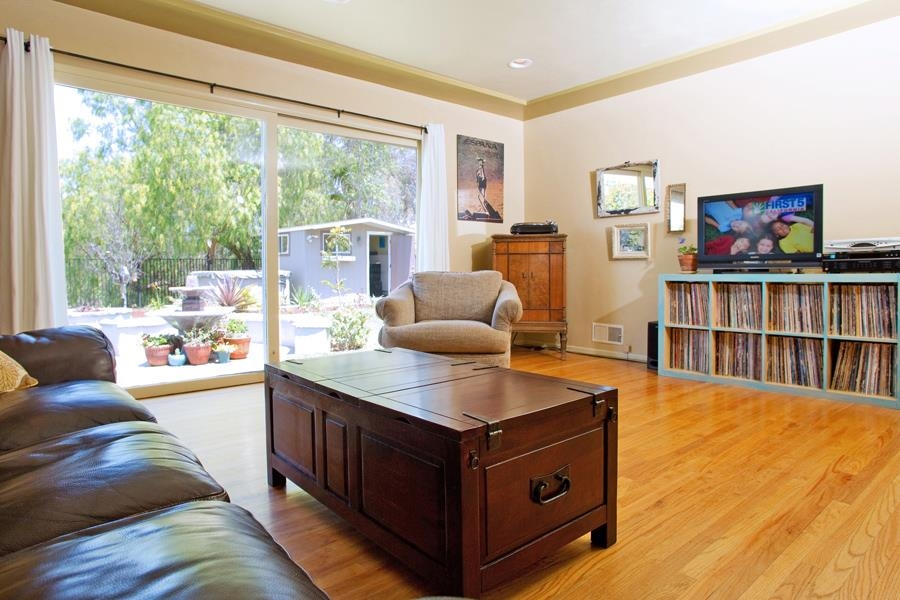 Photo 10: SAN DIEGO House for sale : 3 bedrooms : 4835 Barbarossa Pl