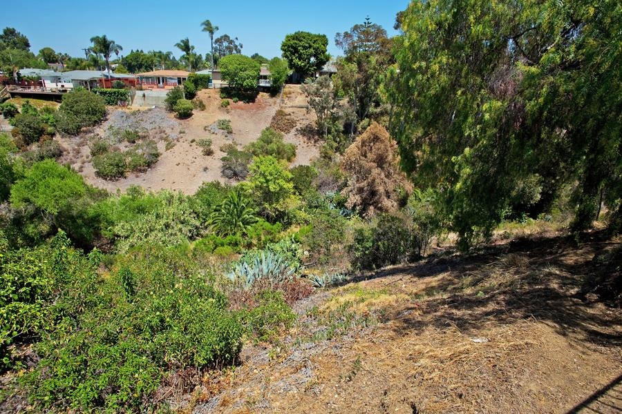 Photo 24: SAN DIEGO House for sale : 3 bedrooms : 4835 Barbarossa Pl