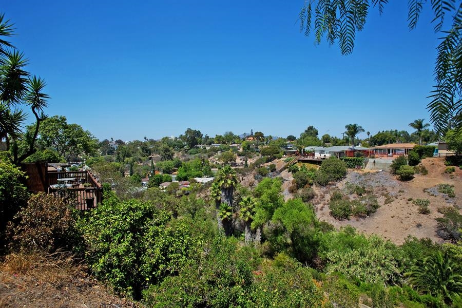 Photo 22: SAN DIEGO House for sale : 3 bedrooms : 4835 Barbarossa Pl