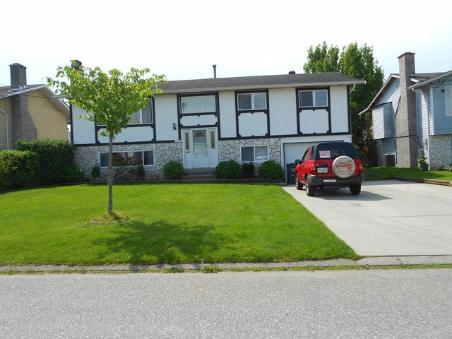 Main Photo: 17864 57 A Ave: House for sale : MLS(r) # F1411412