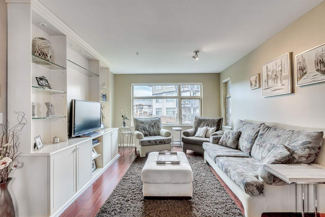 Main Photo: 206 500 KLAHANIE DRIVE in Port Moody: Port Moody Centre Condo for sale : MLS® # R2031638