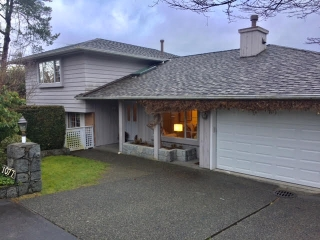 Main Photo: 1077-23 rd St in West Vancouver: Dundarave House for rent