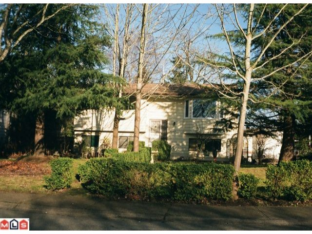 Main Photo: 6242 SUNDANCE Drive in Surrey: Cloverdale BC House for sale (Cloverdale)  : MLS® # F1202565