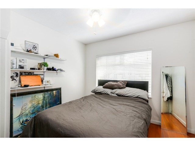 "Photo 7: 2041 E 1ST Avenue in Vancouver: Grandview VE House for sale in ""COMMERCIAL DRIVE"" (Vancouver East)  : MLS® # V1079697"