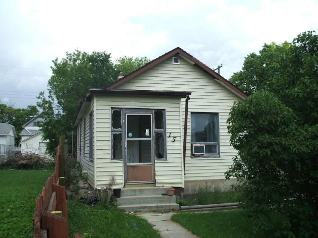 Main Photo: 15 Morier Avenue in WINNIPEG: St Vital Residential for sale (South East Winnipeg)  : MLS(r) # 1214352