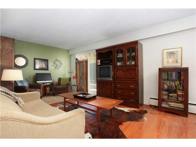 "Photo 17: 209 711 E 6TH Avenue in Vancouver: Mount Pleasant VE Condo for sale in ""PICASSO"" (Vancouver East)  : MLS® # V1004453"