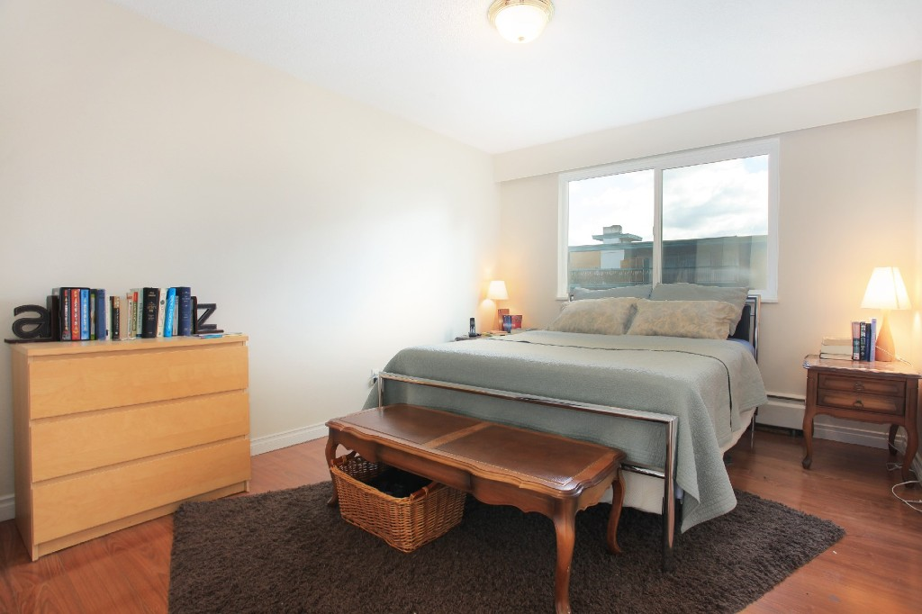 "Photo 10: 209 711 E 6TH Avenue in Vancouver: Mount Pleasant VE Condo for sale in ""PICASSO"" (Vancouver East)  : MLS® # V1004453"