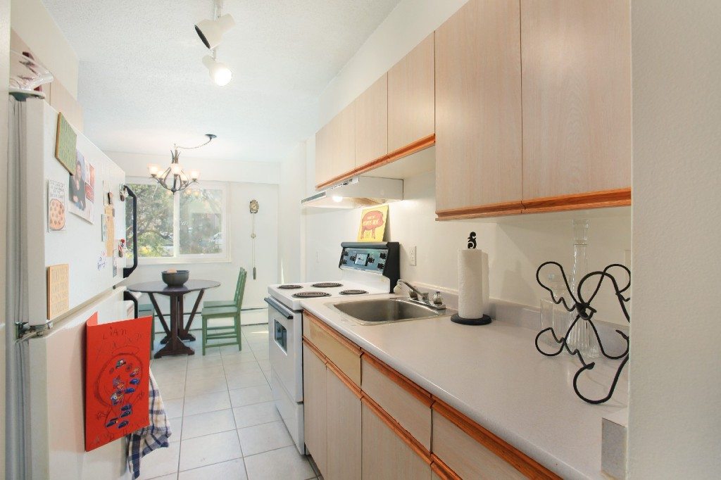 "Photo 8: 209 711 E 6TH Avenue in Vancouver: Mount Pleasant VE Condo for sale in ""PICASSO"" (Vancouver East)  : MLS® # V1004453"