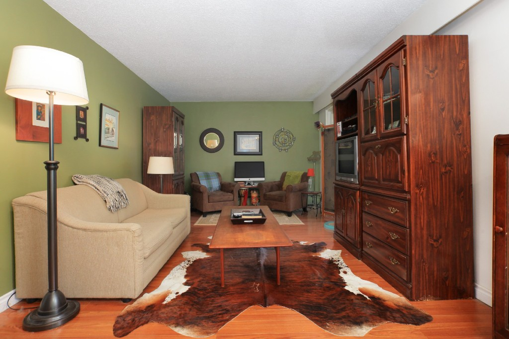 "Photo 2: 209 711 E 6TH Avenue in Vancouver: Mount Pleasant VE Condo for sale in ""PICASSO"" (Vancouver East)  : MLS® # V1004453"
