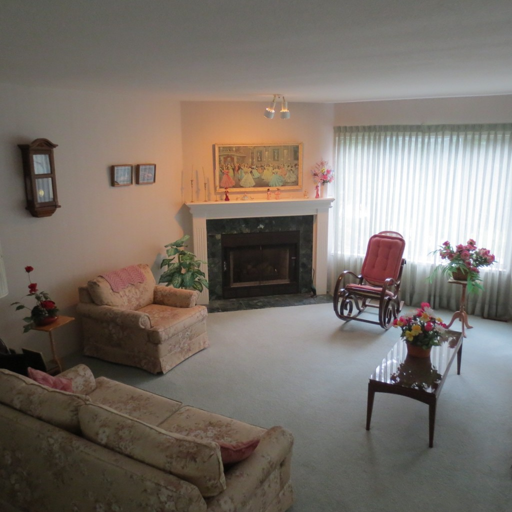 Photo 4: 41 1271 Lasalle Place in Coquitlam: Canyon Springs Townhouse for sale