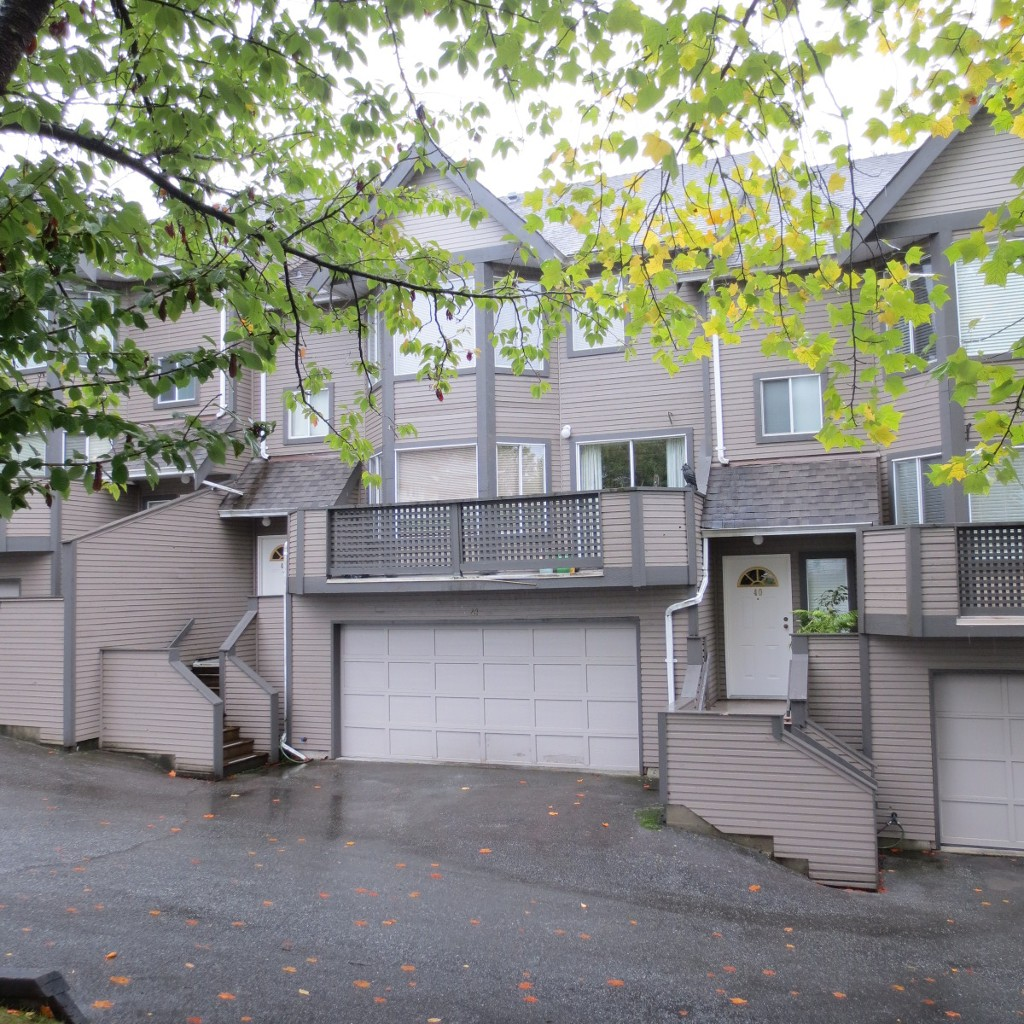 Large Beautiful Townhome close to Coquitlam Center