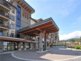 Main Photo: 420 623 Treanor Avenue in VICTORIA: La Thetis Heights Condo Apartment for sale (Langford)  : MLS® # 340321